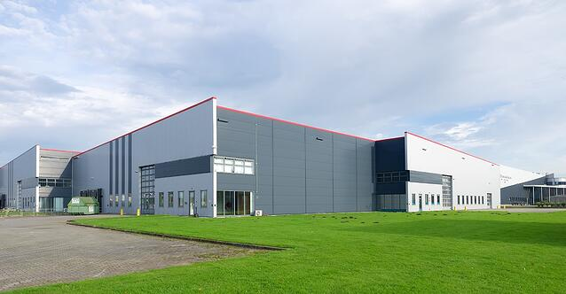 more-warehouses-one-solution-three-ways-a-wms-powers-multi-site-fulfillment