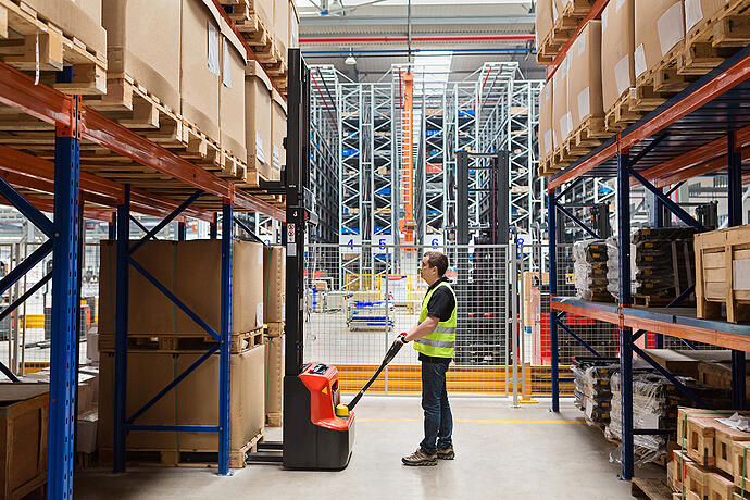 Retrofitting B2B for B2C and D2C Warehousing