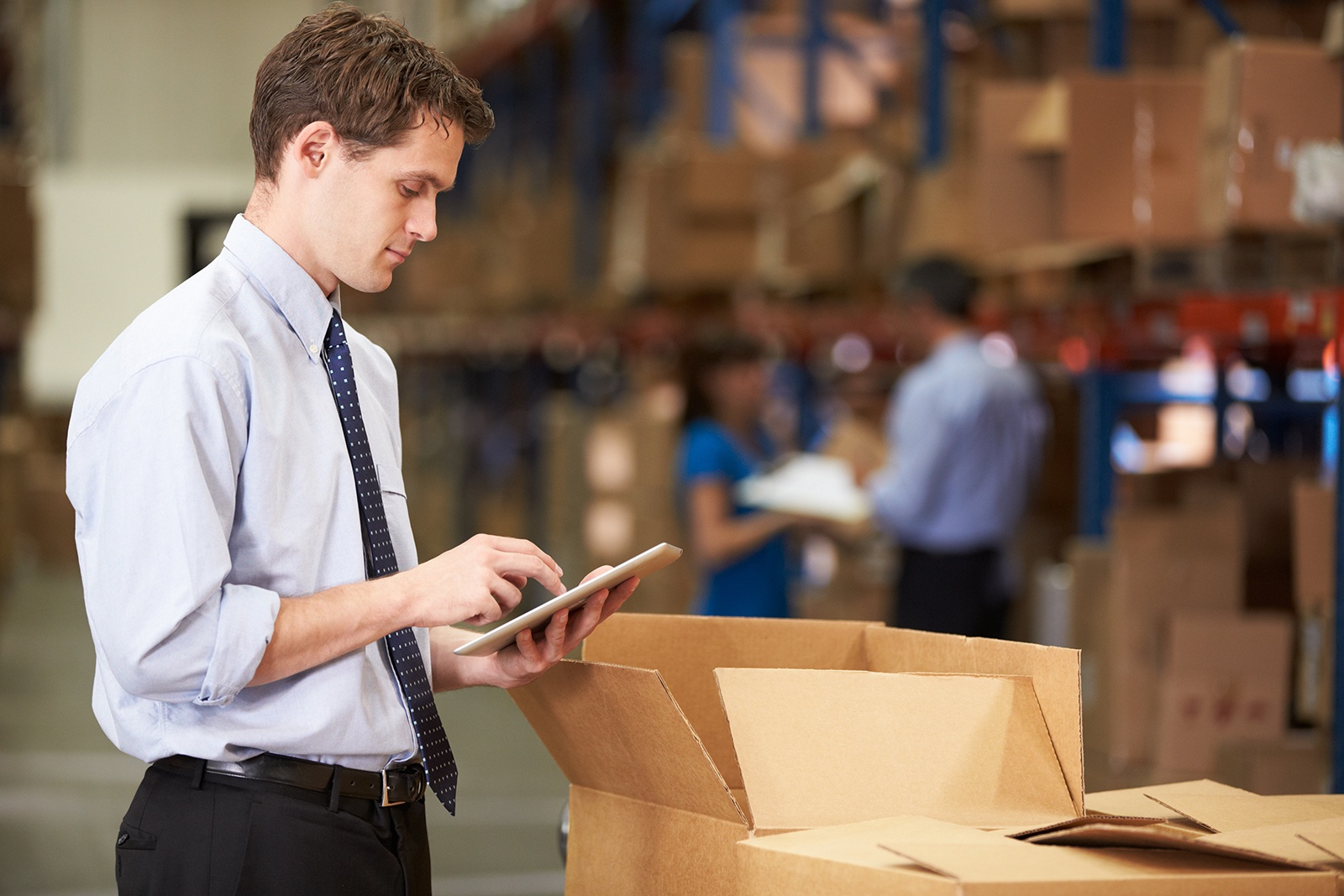 thinking-beyond-labor-management-four-ways-to-save-in-the-warehouse.jpg
